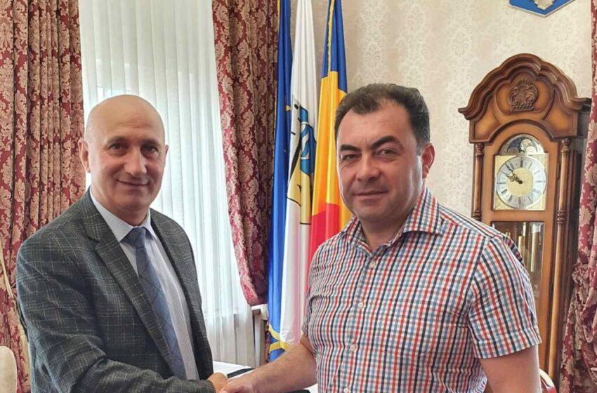 Ialoveni cu oameni dornici de dezvoltare a localității. Omul, Primarul – Sergiu Armașu.